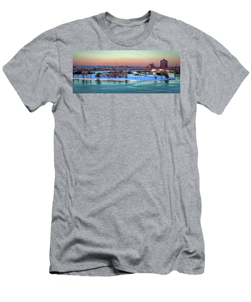 Fort Mchenry Shrouded In Snow Men's T-Shirt (Athletic Fit)