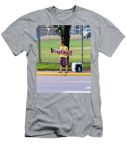 Free Kittens Men's T-Shirt (Athletic Fit)