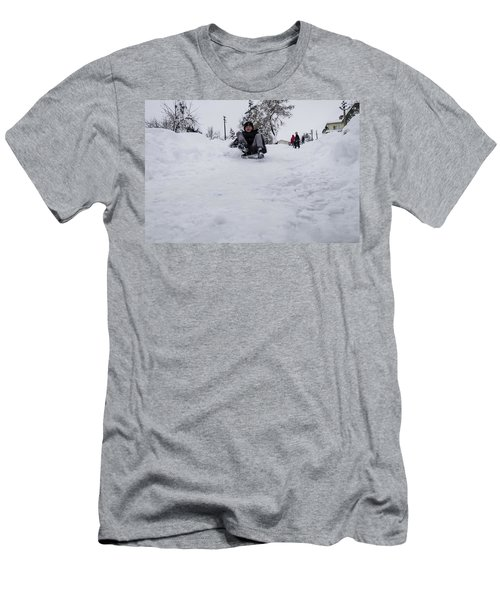 Fun On Snow-3 Men's T-Shirt (Athletic Fit)