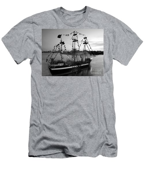 Gang Of Pirates Men's T-Shirt (Athletic Fit)