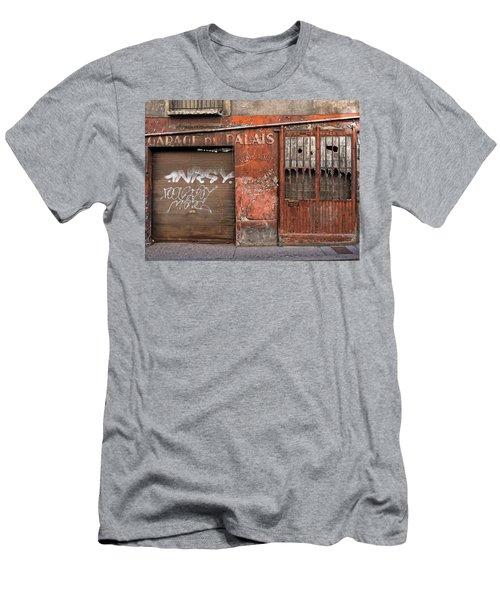 Garage Du Palais Men's T-Shirt (Athletic Fit)