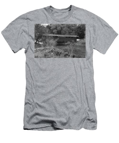Geiger Covered Bridge B/w Men's T-Shirt (Athletic Fit)