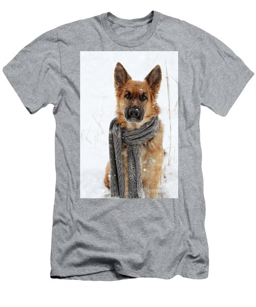 German Shepherd Wearing Scarf In Snow Men's T-Shirt (Athletic Fit)