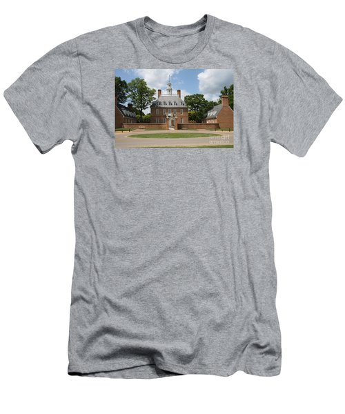 Governers Palace - Williamsburg Va Men's T-Shirt (Slim Fit) by Christiane Schulze Art And Photography