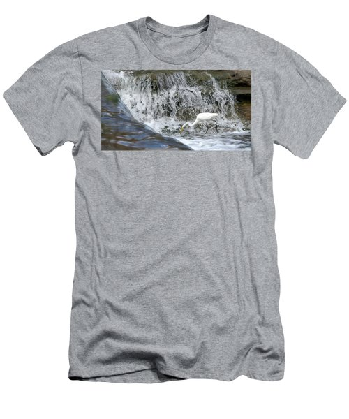 Great Egret Hunting At Waterfall - Digitalart Painting 1 Men's T-Shirt (Athletic Fit)