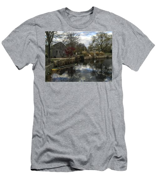 Grist Mill Sandwich Massachusetts Men's T-Shirt (Athletic Fit)