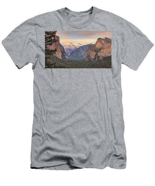 Yosemite Sunset Men's T-Shirt (Athletic Fit)
