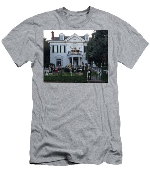 Halloween Decor New Orleans Style Men's T-Shirt (Athletic Fit)