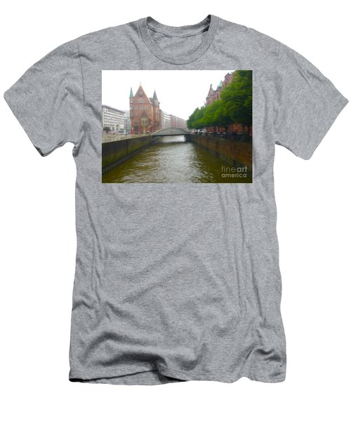 Hamburg Germany Canal Men's T-Shirt (Athletic Fit)