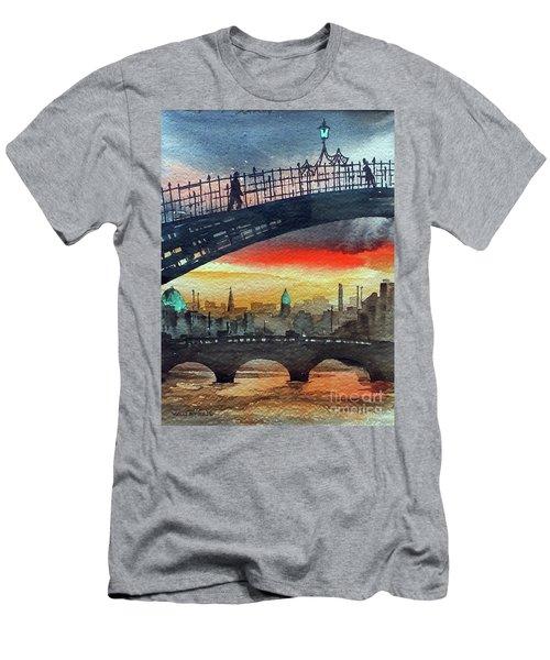 Hapenny Bridge Sunset, Dublin...27apr18 Men's T-Shirt (Athletic Fit)