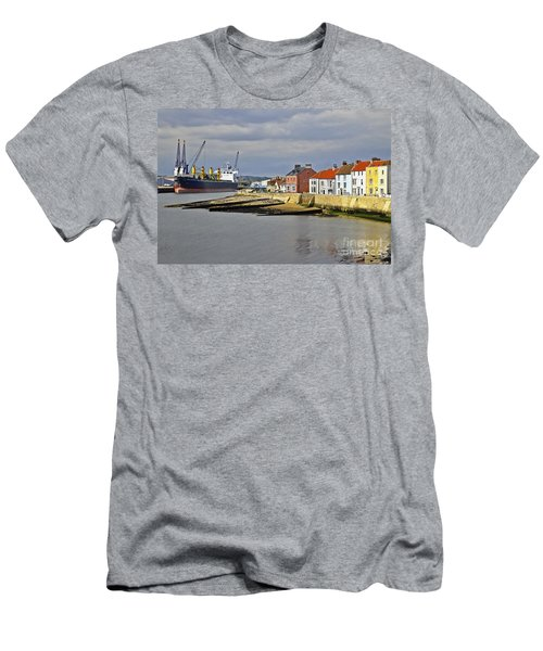 Hartlepool Harbour Evening Men's T-Shirt (Athletic Fit)