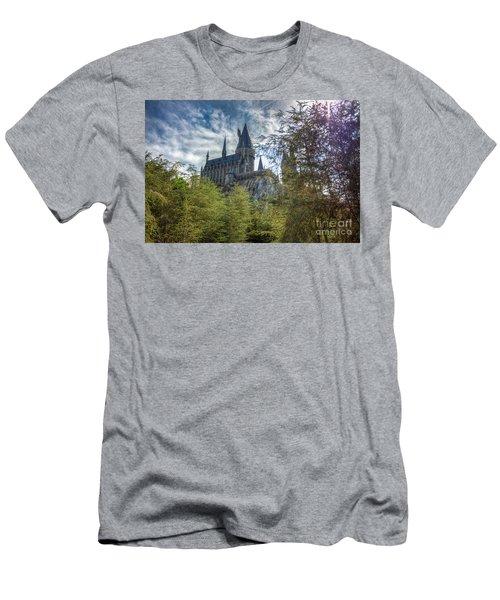 Hogwarts Castle Men's T-Shirt (Athletic Fit)
