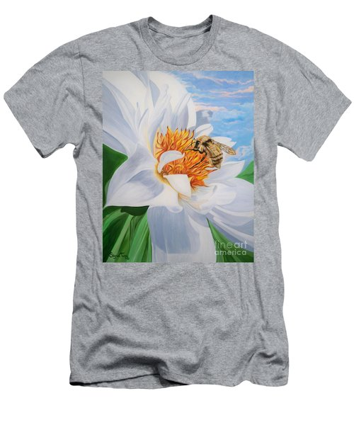 Flygende Lammet Productions     Honey Bee On White Flower Men's T-Shirt (Athletic Fit)