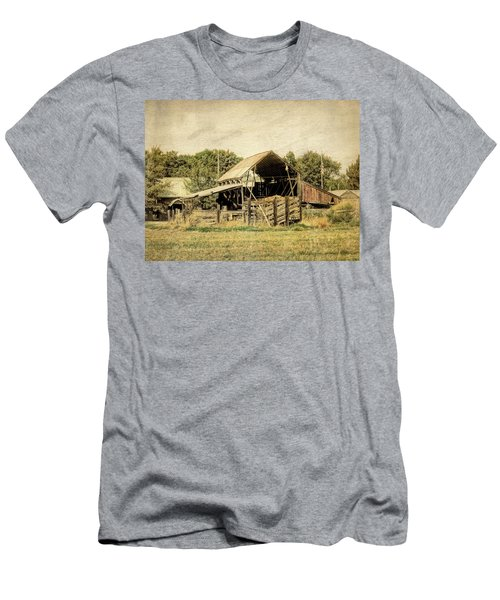 Hooper Hay Shed Men's T-Shirt (Athletic Fit)