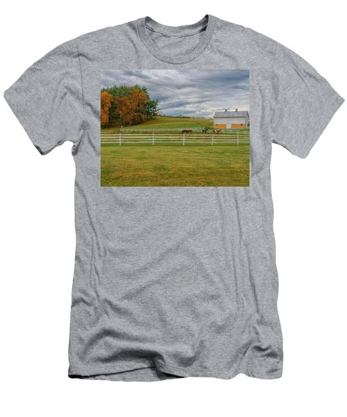 Horse Barn In Ohio  Men's T-Shirt (Athletic Fit)