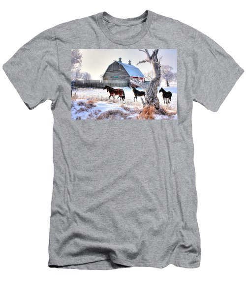 Horses And Barn Men's T-Shirt (Athletic Fit)