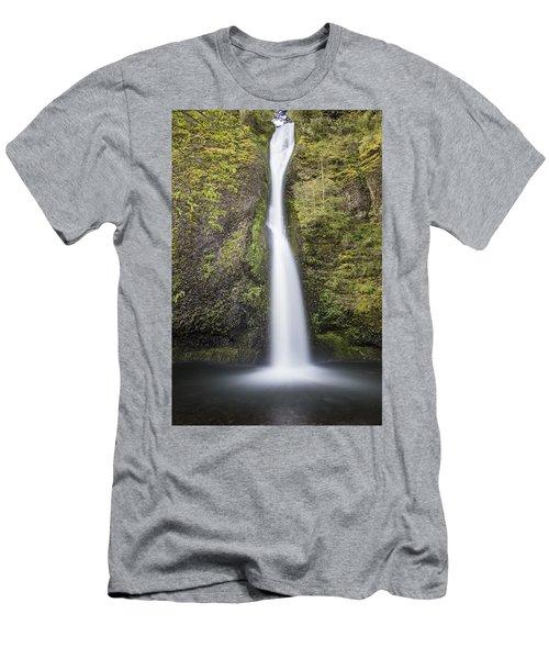 Horsetail Falls In Oregon With Splash Men's T-Shirt (Athletic Fit)