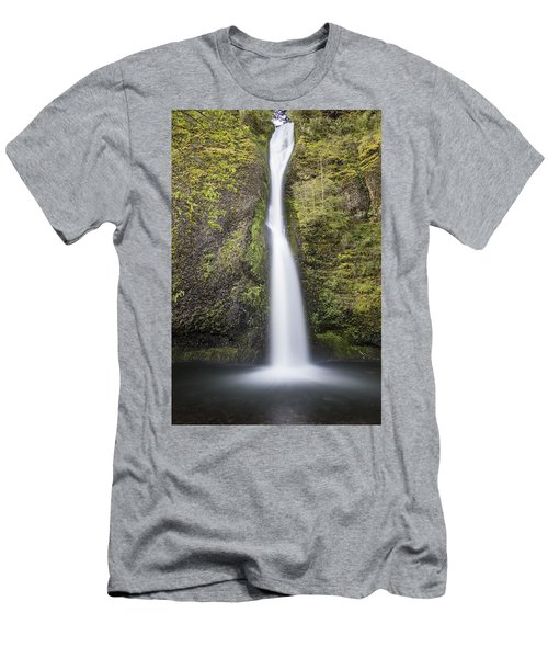 Horsetail Falls In Oregon With Splash Men's T-Shirt (Athletic Fit)