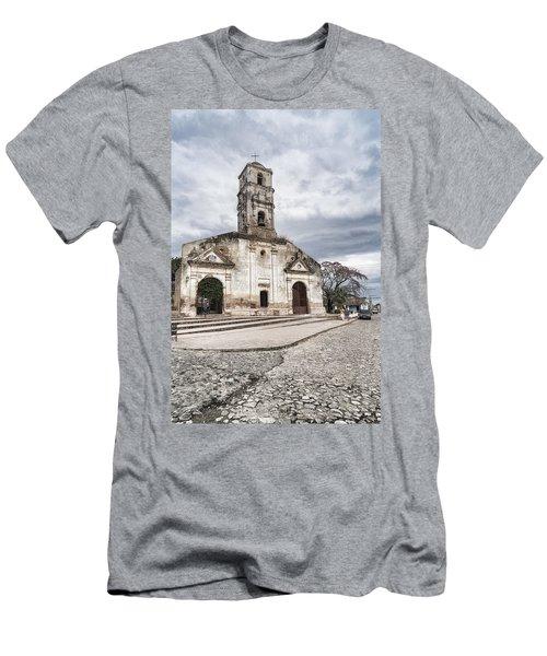Iglesia De Santa Ana Men's T-Shirt (Athletic Fit)