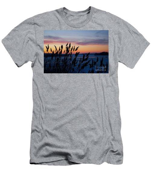 Illinois River Winter Sunset  Men's T-Shirt (Athletic Fit)