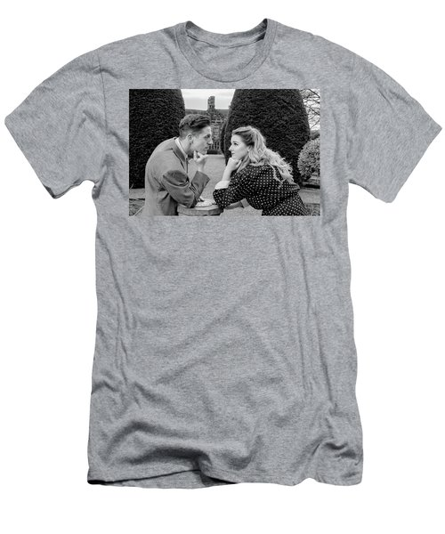 It's In The Eyes Bw Men's T-Shirt (Athletic Fit)