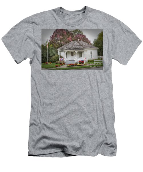 John Wayne Birthplace Men's T-Shirt (Athletic Fit)