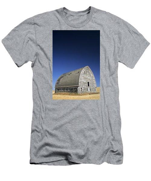 Johnson Road Barn Men's T-Shirt (Athletic Fit)