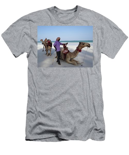 Just Married Camels Kenya Beach 2 Men's T-Shirt (Athletic Fit)