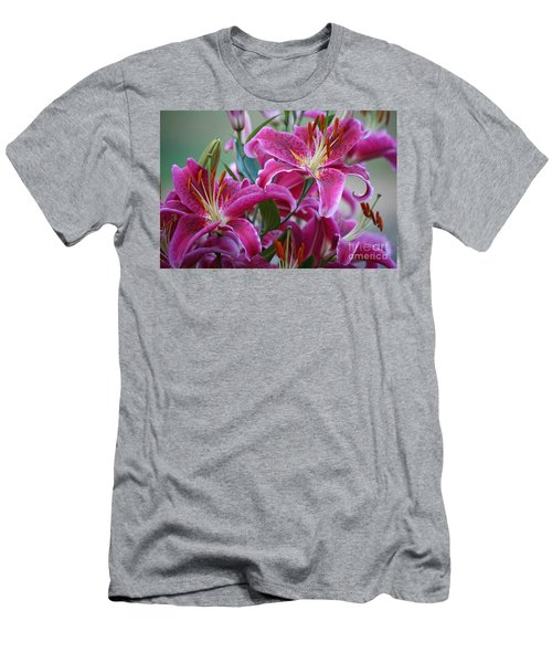 K And D Lilly 4 Men's T-Shirt (Athletic Fit)