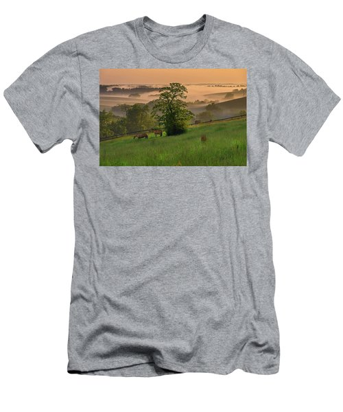 Kentucky Morning Men's T-Shirt (Athletic Fit)