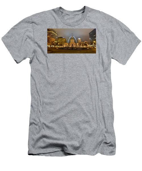 Kiener Plaza And The Gateway Arch Men's T-Shirt (Athletic Fit)