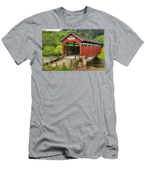 Kings Covered Bridge Somerset Pa Men's T-Shirt (Athletic Fit)