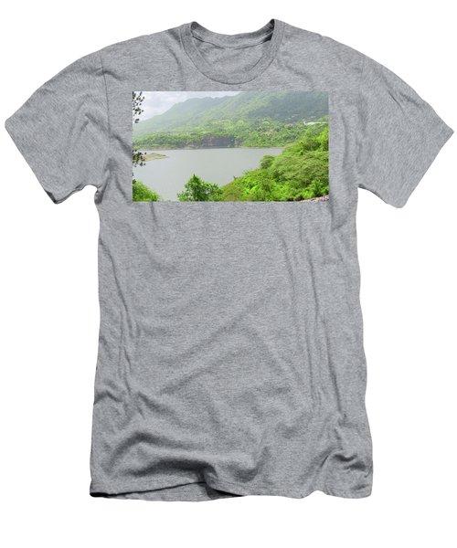 Lago Toa Vaca Men's T-Shirt (Athletic Fit)