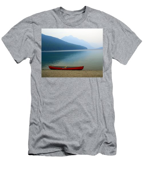 Lonly Canoe Men's T-Shirt (Athletic Fit)