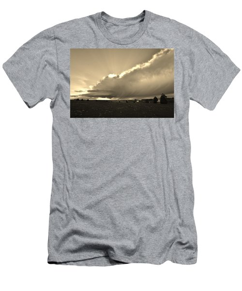Low-topped Supercell Black And White  Men's T-Shirt (Slim Fit) by Ed Sweeney