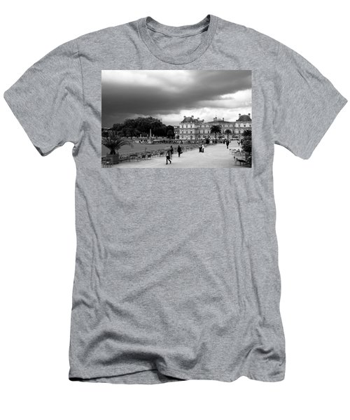 Luxembourg Gardens 2bw Men's T-Shirt (Athletic Fit)