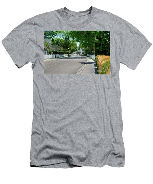 Mackinac Island Street Men's T-Shirt (Athletic Fit)