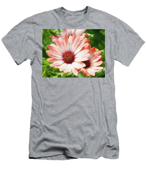 Macro Pink Cinnamon Tradewind Flower In The Garden Men's T-Shirt (Athletic Fit)