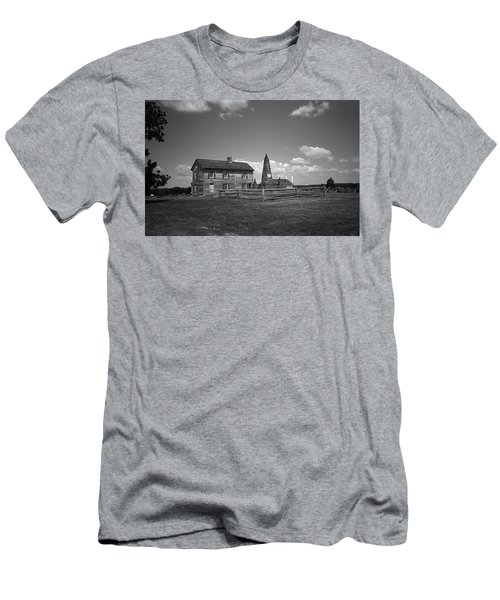 Men's T-Shirt (Slim Fit) featuring the photograph Manassas Battlefield Farmhouse 2 Bw by Frank Romeo