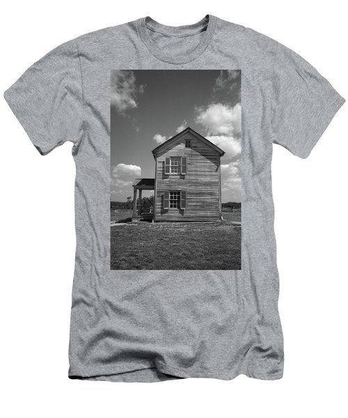 Men's T-Shirt (Slim Fit) featuring the photograph Manassas Civil War Battlefield Farmhouse Bw by Frank Romeo
