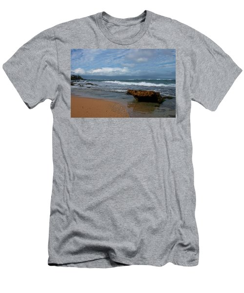 Maui Beach  Men's T-Shirt (Athletic Fit)