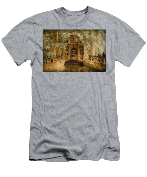 Paris, France - Medici Fountain Oldstyle Men's T-Shirt (Athletic Fit)