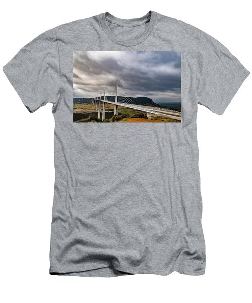 Millau Viaduct Men's T-Shirt (Athletic Fit)