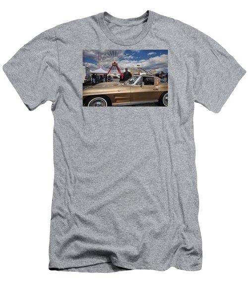 Mom N Vette Men's T-Shirt (Athletic Fit)