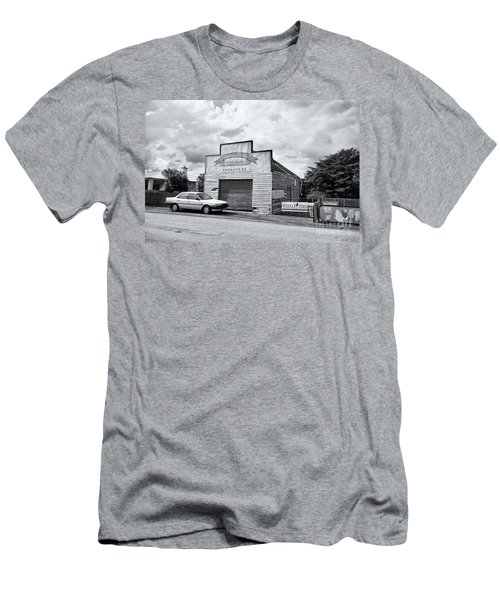 Men's T-Shirt (Athletic Fit) featuring the photograph Monegeetta Produce Store by Linda Lees