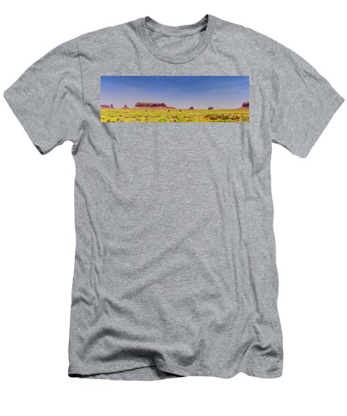 Monument Valley South View Men's T-Shirt (Athletic Fit)