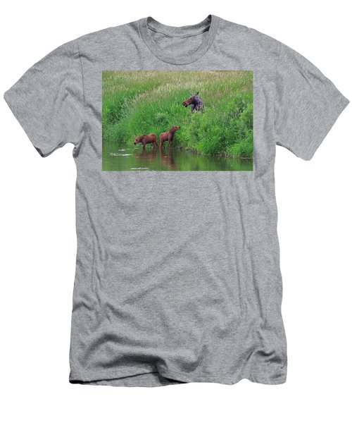 Moose Play Men's T-Shirt (Slim Fit) by Matt Helm