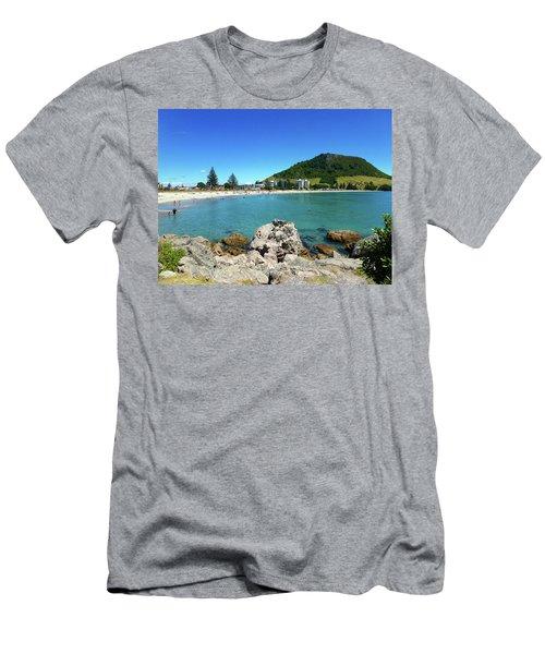 Mount Maunganui Beach 8 - Tauranga New Zealand Men's T-Shirt (Athletic Fit)