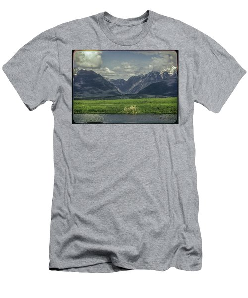 Mountain View Montana.... Men's T-Shirt (Athletic Fit)