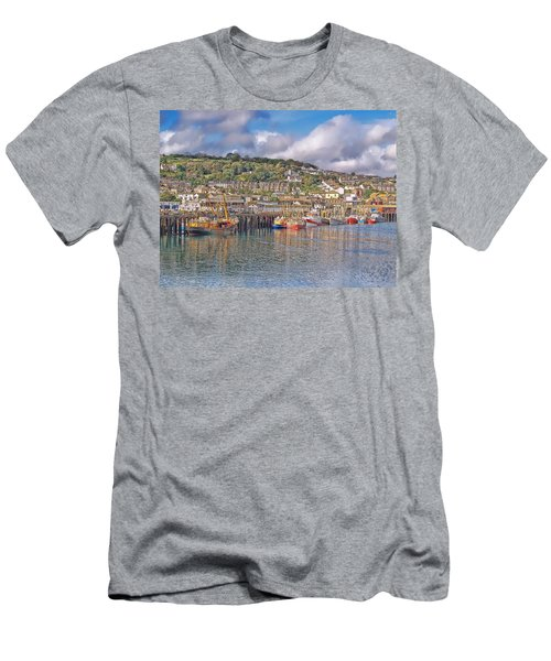 Newlyn Harbour Cornwall 2 Men's T-Shirt (Athletic Fit)
